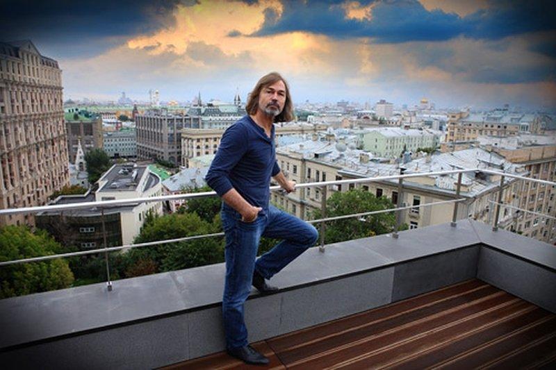 Страшно красивая квартира художника Никаса Сафронова