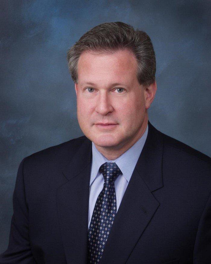 Американский врач Роберт Ластиг предупреждает об опасности сахара