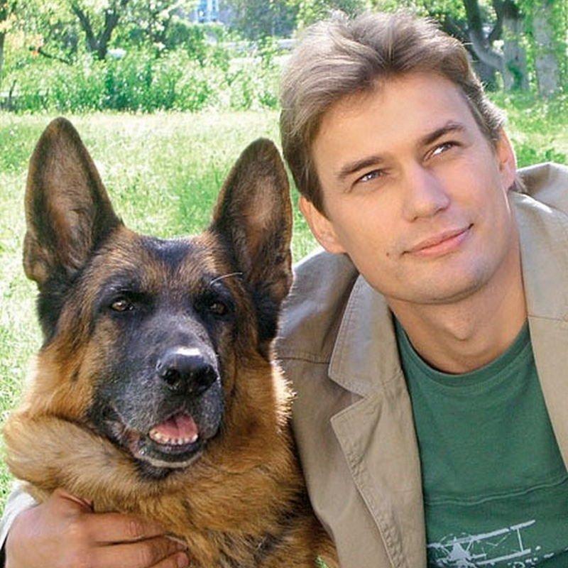 Жизнь звезды сериала «Возвращение Мухтара» Александра Волкова