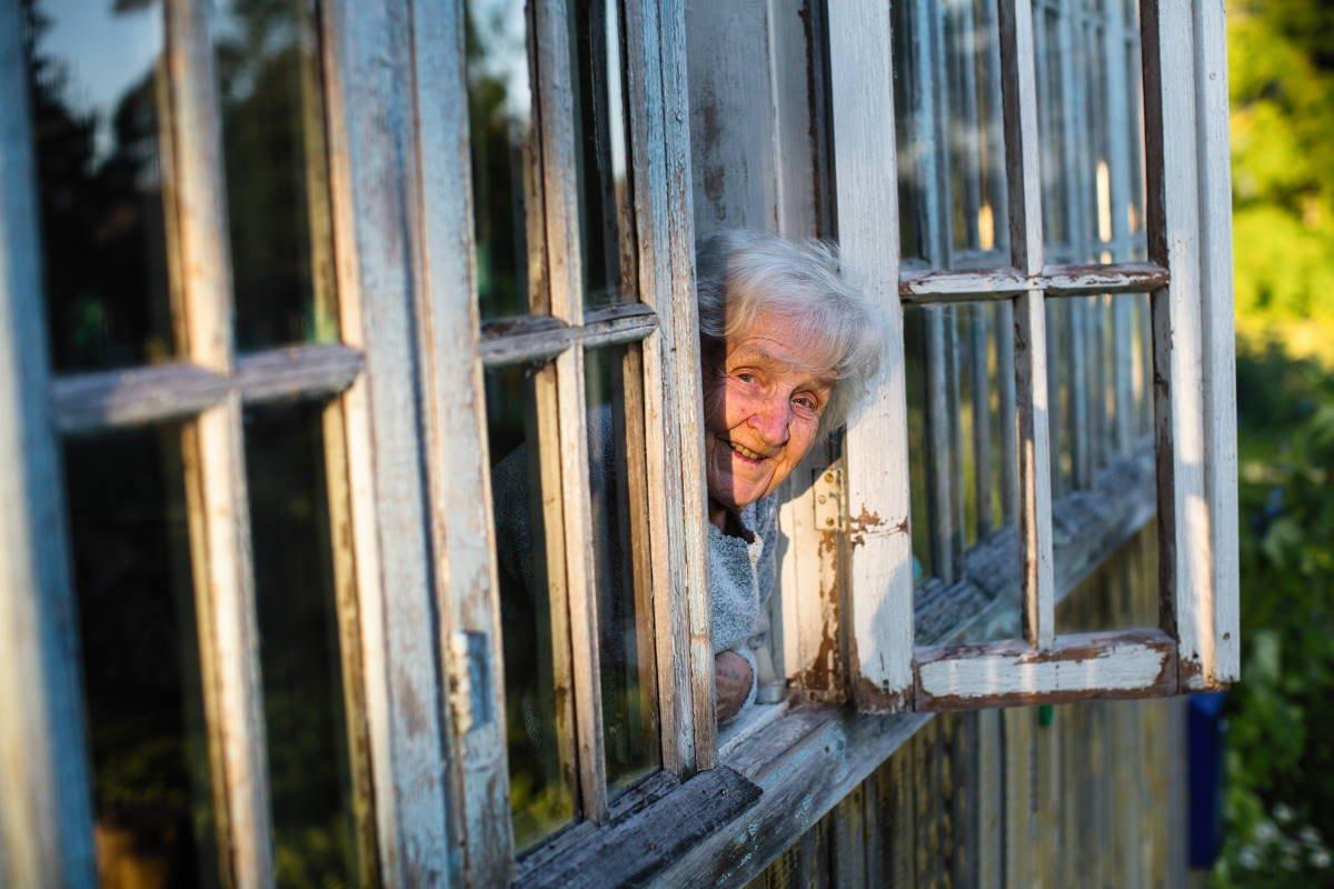 Как быть, когда на старости лет осталась одна в ветхом доме, а на новое жилье нет средств
